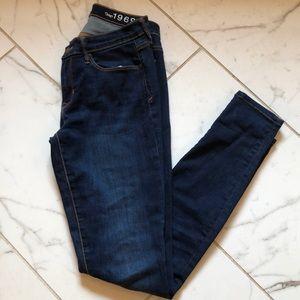 Gap dark wash legging jean size 28 long